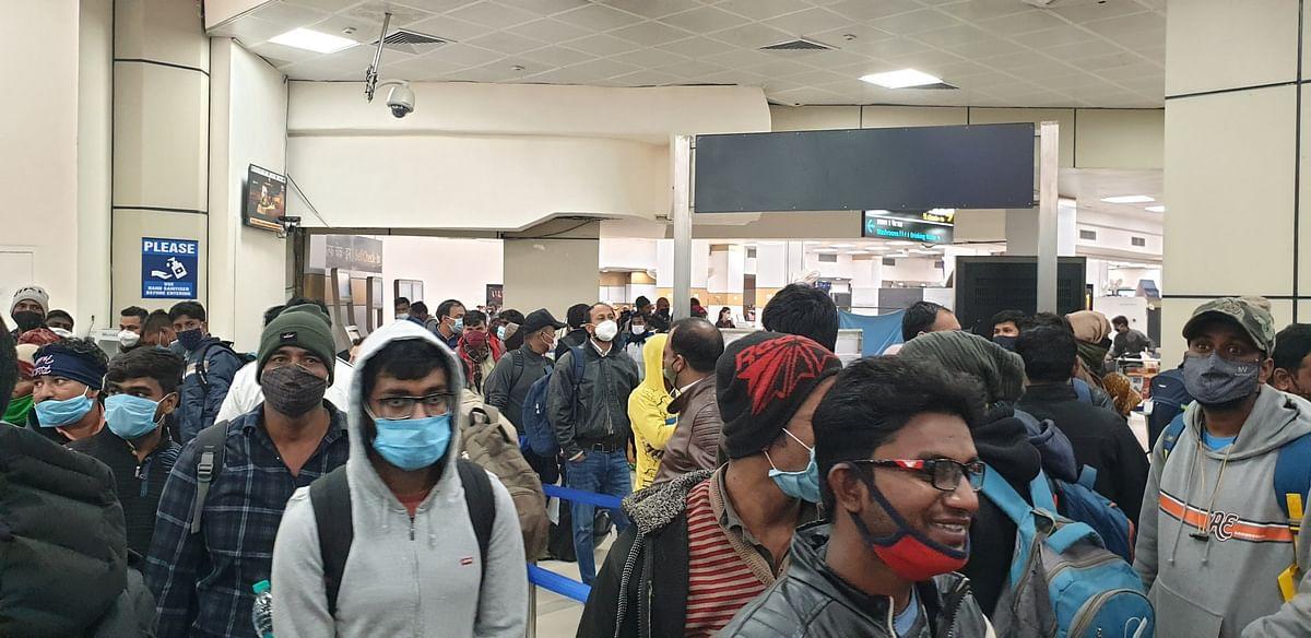 पटना एयरपोर्ट से देरी से 13 फ्लाइट्स ने भरी उड़ान, 4 को किया गया रद्द, यात्रियों ने किया हंगामा