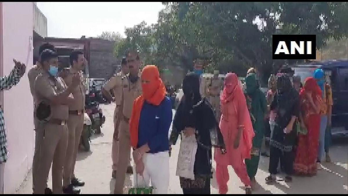 Uttar Pradesh News: नोएडा में पुलिस की मिलीभगत से होटल में चल रहा था सैक्स रैकेट! 12 लड़कियां और 11 लड़के अरेस्ट