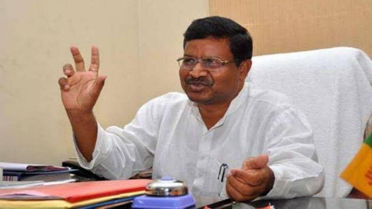 बीजेपी नेता बाबूलाल मरांडी दिल्ली में, केंद्रीय नेताओं से झारखंड के राजनीतिक हालात पर करेंगे विमर्श