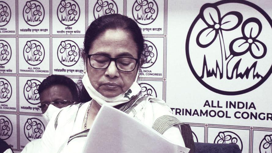 West Bengal Chunav 2021 : उम्मीदवारों की घोषणा के साथ ही TMC में बढ़ने लगे बगावती सुर, किसी ने छोड़ी पार्टी तो कोई सड़क पर उतरा