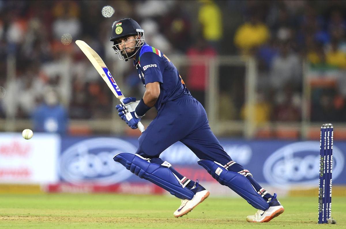 IND vs ENG T-20 : 5 रन ही बना सके टीम इंडिया के टॉप 3 बल्लेबाज, श्रेयस अय्यर ने दिखाया दम, ठोका अर्धशतक