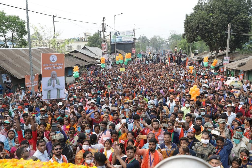 VIDEO: जेपी नड्डा के रोड शो में एंबुलेंस, BJP के राष्ट्रीय अध्यक्ष ने भाषण रोककर खाली कराया रास्ता