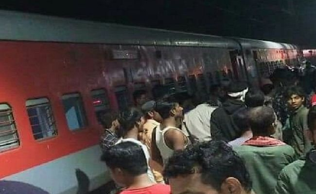 Bihar Train News: बर्निंग ट्रेन बनने से बची कोलकाता-दरभंगा स्पेशल, बिहार में ग्रामीणों की सूझबूझ से टला बड़ा रेल हादसा