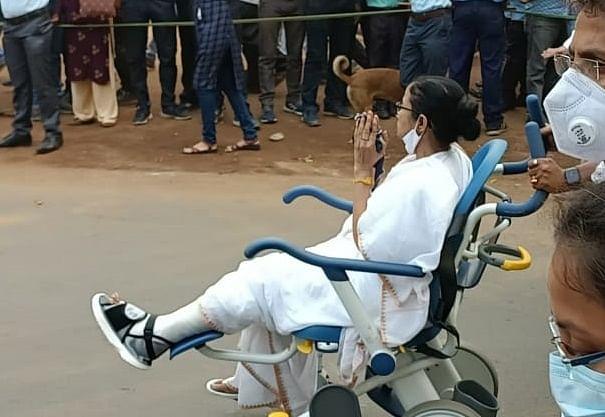 इस 'चोट' का दिखना जरूरी है... कुछ जख्म भगवान भी ठीक ना करें... तो, ऐसे होगा बंगाल में 'खेला'?