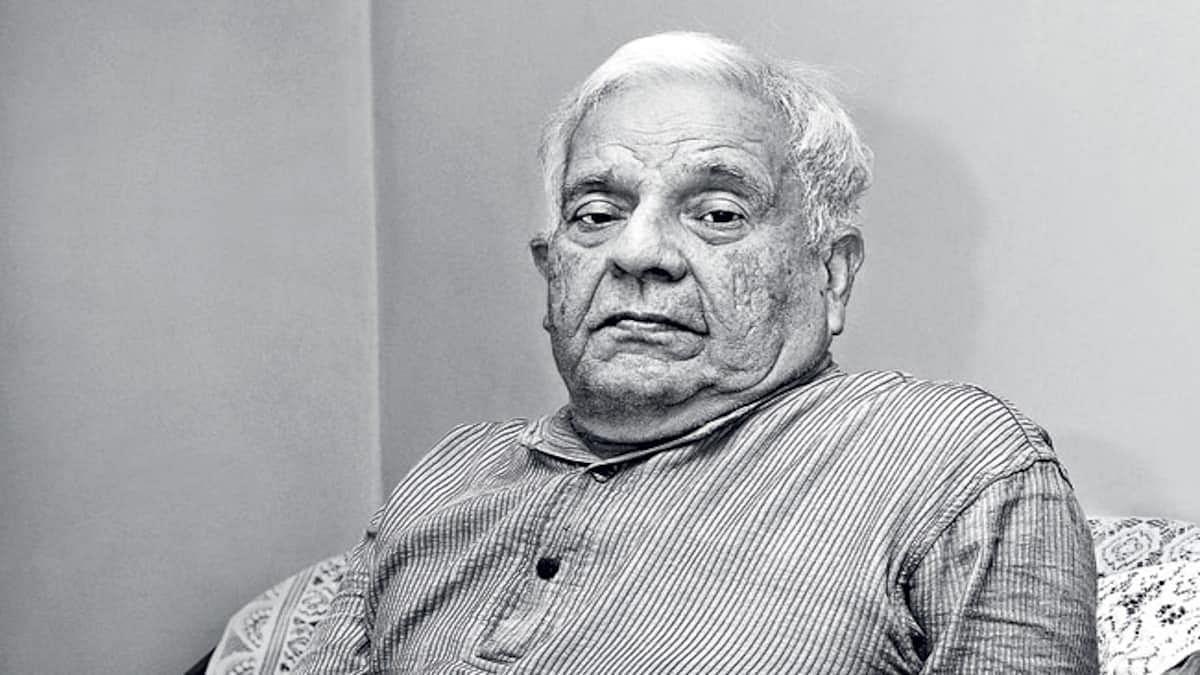 हिंदी के आलोचक विश्वनाथ त्रिपाठी और बांग्ला के विख्यात कवि शंख घोष को 'आकाशदीप' सम्मान
