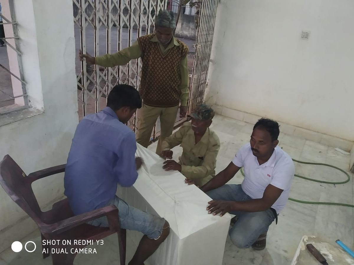 Jharkhand Crime News : झारखंड के डीजीपी ने बाइक से शव ढोने के मामले पर लिया संज्ञान, गुमला एसपी को कार्रवाई का निर्देश, आज रिम्स में होगी फॉरेंसिक जांच