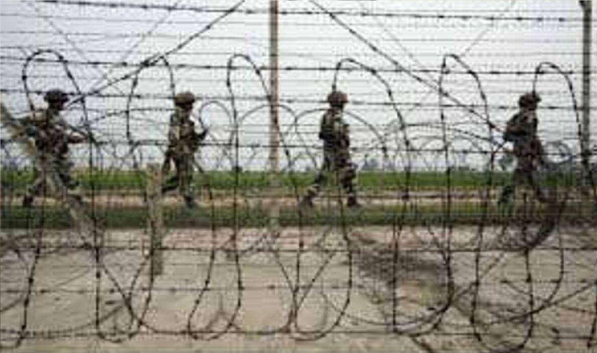जम्मू कश्मीर के सांबा में अंतरराष्ट्रीय सीमा पर पाकिस्तानी घुसपैठिया गिरफ्तार