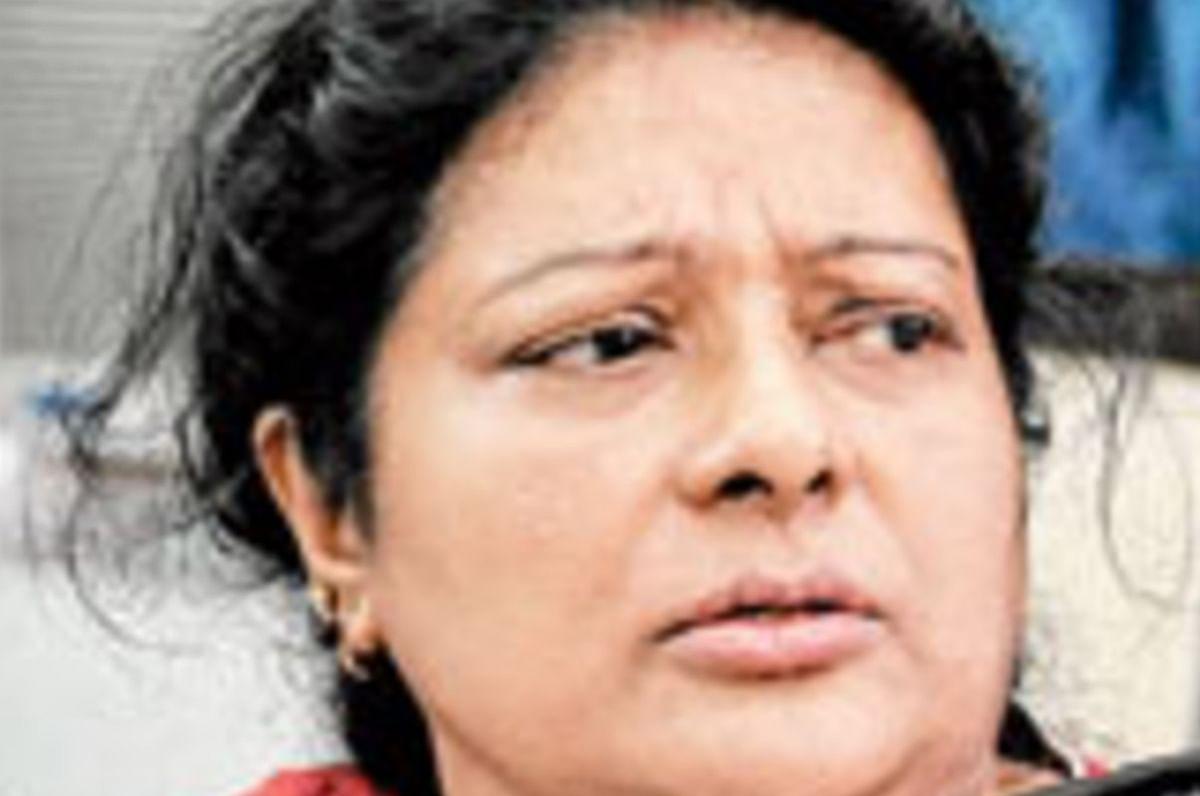 Bengal Assembly Election 2021: कांग्रेस नेता सौमेन मित्रा की पत्नी शिखा और TMC की माला साहा के पति तरुण को टिकट देकर बुरी फंसी BJP