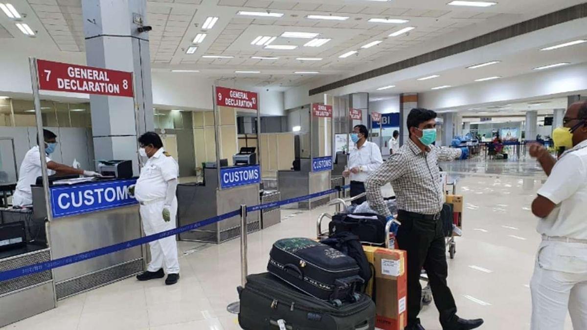 Coronavirus Guidelines News : बीड में संपूर्ण लॉकडाउन, होली को लेकर राज्यों और केंद्र शासित प्रदेशों को सख्त निर्देश