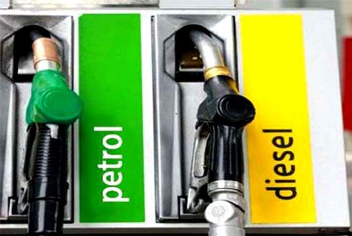 Petrol and diesel Price: पेट्रोल और डीजल की कीमतें कम करने पर विचार कर रहा वित्त मंत्रालय, मध्य मार्च तक कम हो सकता है मूल्य