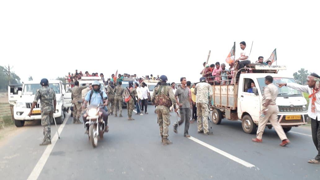 बंगाल में चरम पर हिंसा, अलग-अलग जगहों पर झड़प में BJP-TMC के कई कार्यकर्ता घायल, हथियार और बम बरामद