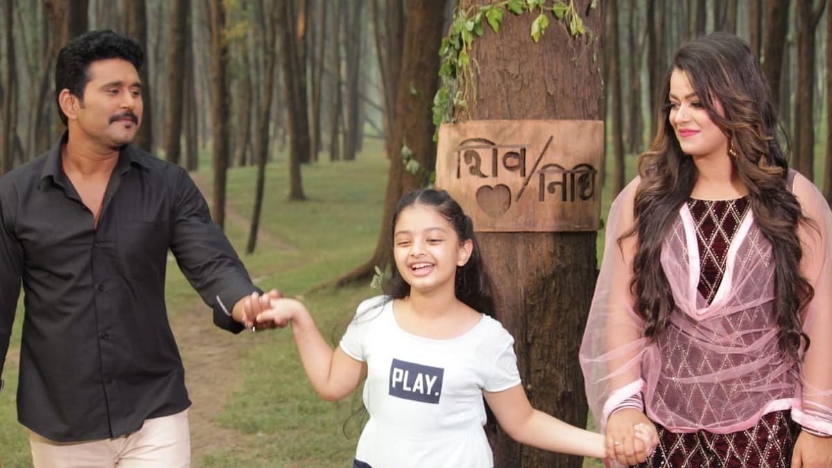 भोजपुरी सिनेमा  'BETI NO-1' का ट्रेलर रिलीज, दर्शकों को रुला रही मजबूर पिता और बेटी की कहानी, तेजी से हो रहा वायरल