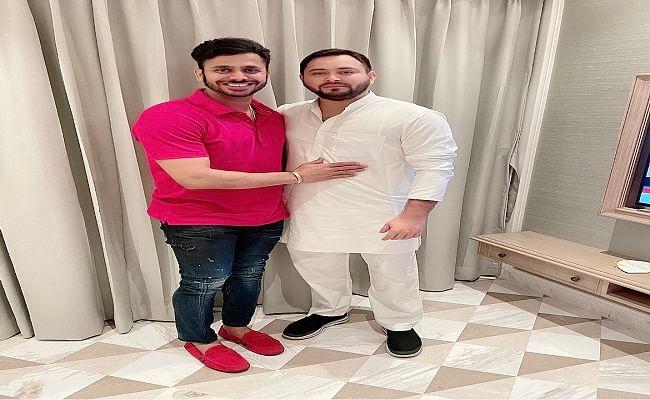 Bengal Election 2021: क्रिकेटर मनोज तिवारी ने तेजस्वी यादव से की मुलाकात, क्रिकेट के दिनों को याद कर बताया डायनेमिक नेता ...