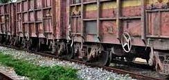 Indian Railways News : बाल-बाल बचे कोयला लदी मालगाड़ी के लोको पायलट व गार्ड, तीर रेल इंजन में फंसा, पढ़िए अपराधियों ने क्यों किया तीर से जानलेवा हमला