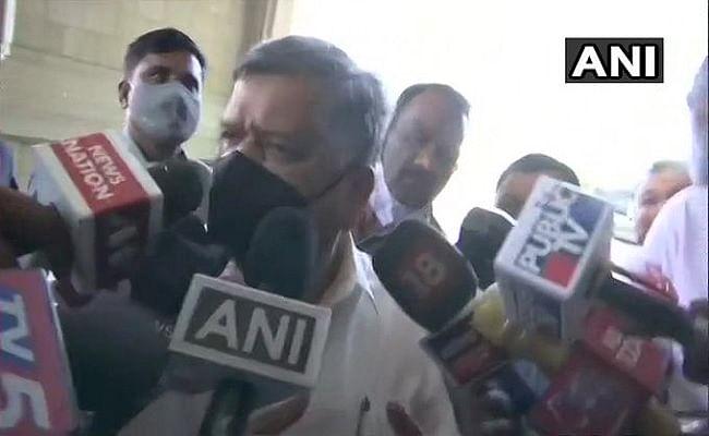 कर्नाटक में यौन उत्पीड़न मामले पर मचे सियासी बवाल के बीच मंत्री जगदीश शेट्टार बोले, किसी ने कोई बयान या शिकायत नहीं की, हमें निर्णय करना होगा