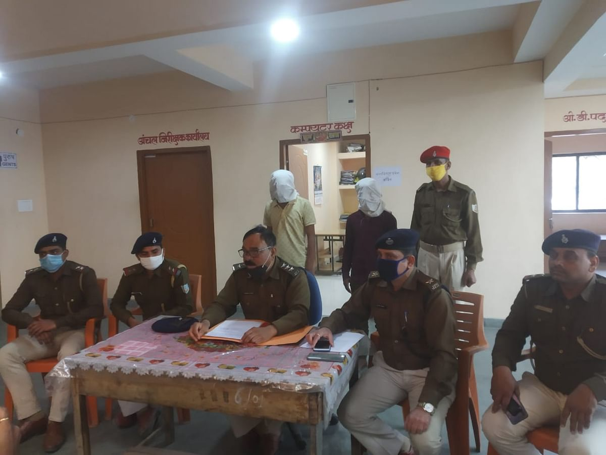 Jharkhand News : अंतरराज्यीय बाइक चोर गिरोह का कोडरमा पुलिस ने किया पर्दाफाश, दो  गिरफ्तार, छह मोटर साइकिल बरामद, पढ़िए क्या है बिहार कनेक्शन