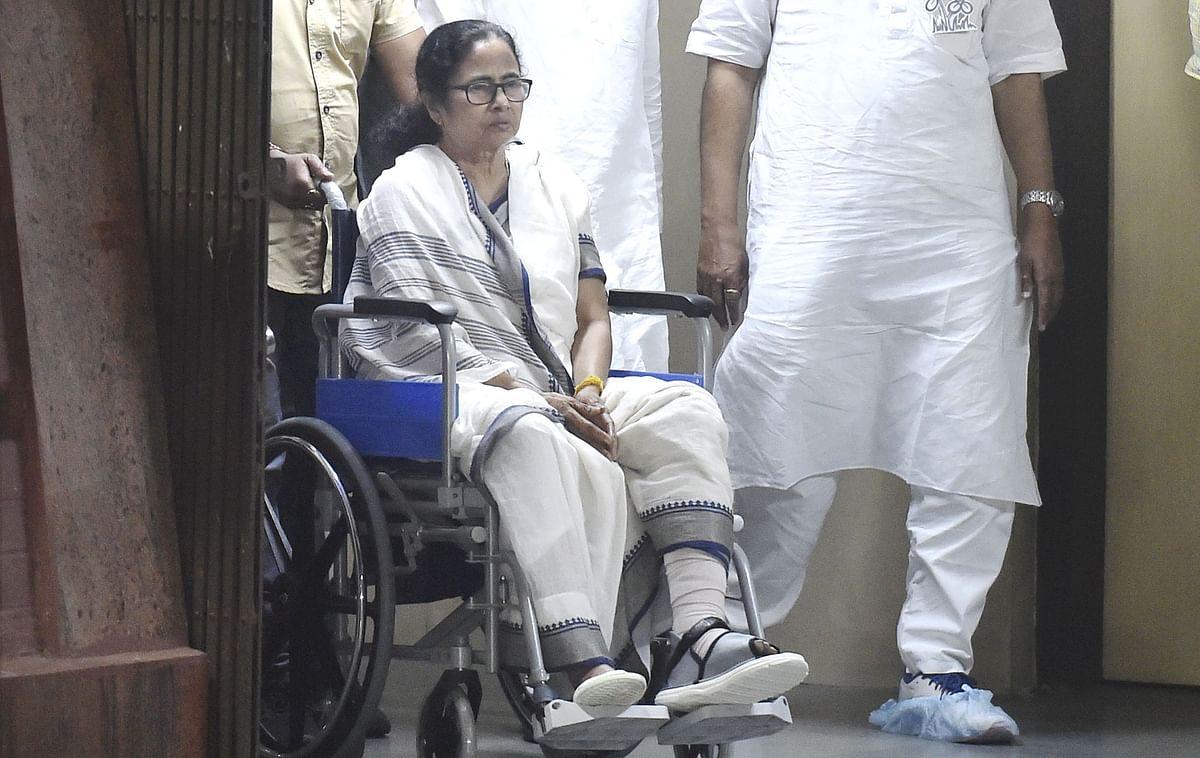 ममता बनर्जी का 'चोट' से है पुराना नाता, कई बार हमले झेल चुकीं हैं बंगाल की 'अग्निकन्या'