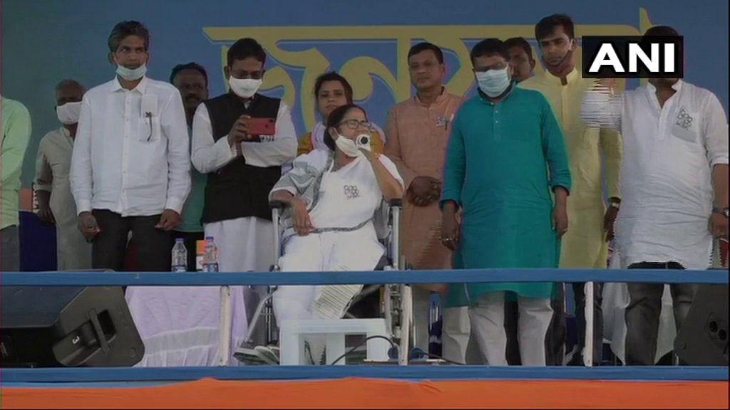 Bengal Chunav 2021: बंगाल जीतने के बाद दिल्ली जाकर बीजेपी को हिला देंगे, खड़गपुर के मंच से ममता का एलान