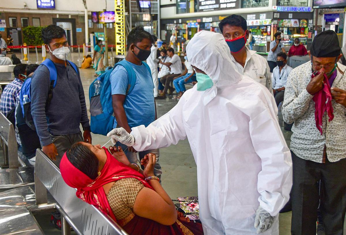 Maharashtra Coronavirus Cases : महाराष्ट्र में कोरोना का कहर, एक दिन में 15 हजार से अधिक मामले, यहां लगा लॉकडाउन