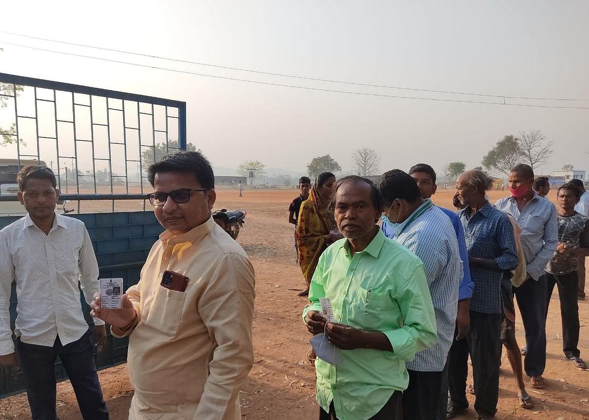 Purulia Election 2021 : पुरुलिया में छिटपुट घटनाओं के बीच खत्म हुआ मतदान, कई बूथों पर देर से शुरू हुई थी वोटिंग