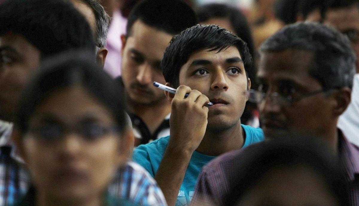 AICTE का बड़ा फैसला : इंजीनियरिंग का कोर्स करना अब होगा बेहद आसान, 12वीं में नहीं पढ़ने पड़ेंगे फिजिक्स, केमिस्ट्री और मैथ