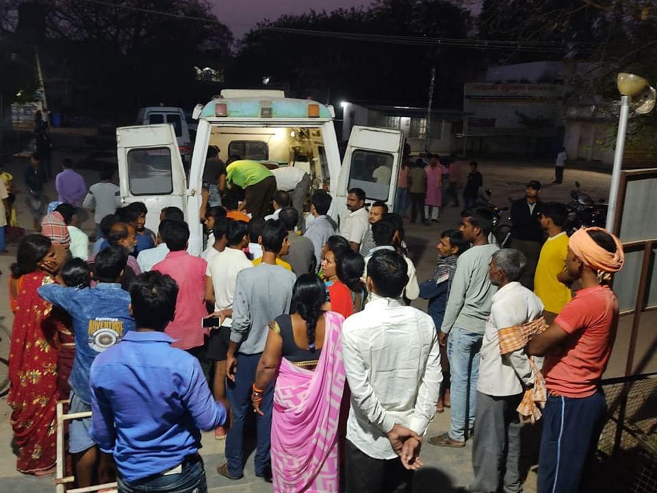 महाशिवरात्रि पर गुप्ता धाम से दर्शन कर लौट रहा परिवार सड़क हादसे का शिकार, दो की मौत, 7 घायल