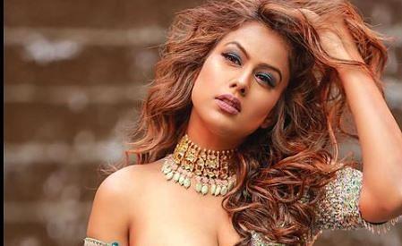 निया शर्मा को अपनी को-स्टार ईशा शर्मा को किस करने पर मचा था खूब हंगामा, एक्ट्रेस ने अब लड़कों के साथ लिपलॉक पर कही ये बात