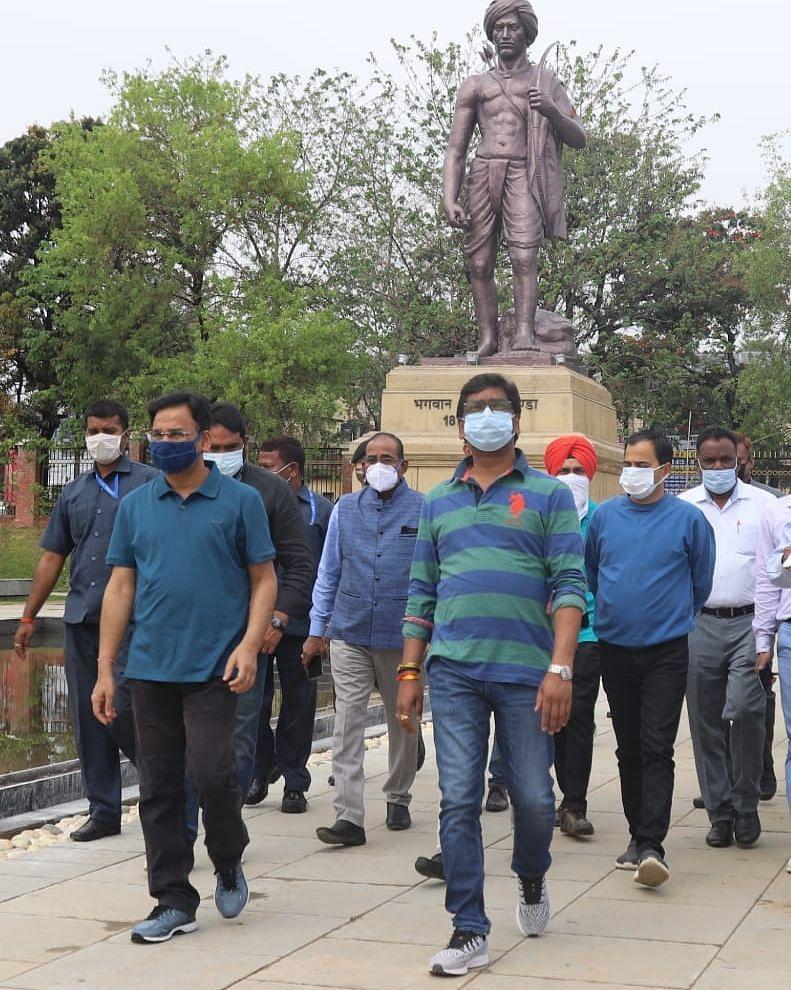 Jharkhand News : सीएम हेमंत सोरेन ने दी हिदायत, रांची की पुरानी जेल में बन रहे बिरसा स्मृति पार्क और म्यूजियम निर्माण में कोताही बर्दाश्त नहीं, बदलाव को लेकर दिया ये आदेश