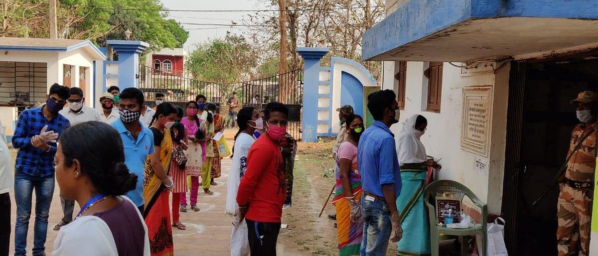 Jhargram Election 2021: झारग्राम में बंपर वोटिंग, 72.10 फीसदी मतदाताओं ने किया मतदान