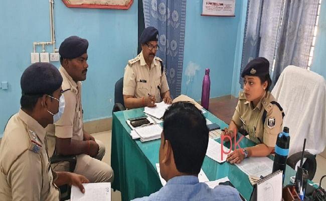 गैस एजेंसी मालिक के पैसे हड़पने के लिए कर्मी ने रची फर्जी लूट की साजिश, SP लिपि सिंह के निर्देश पर पुलिस ने यूं धर दबोचा