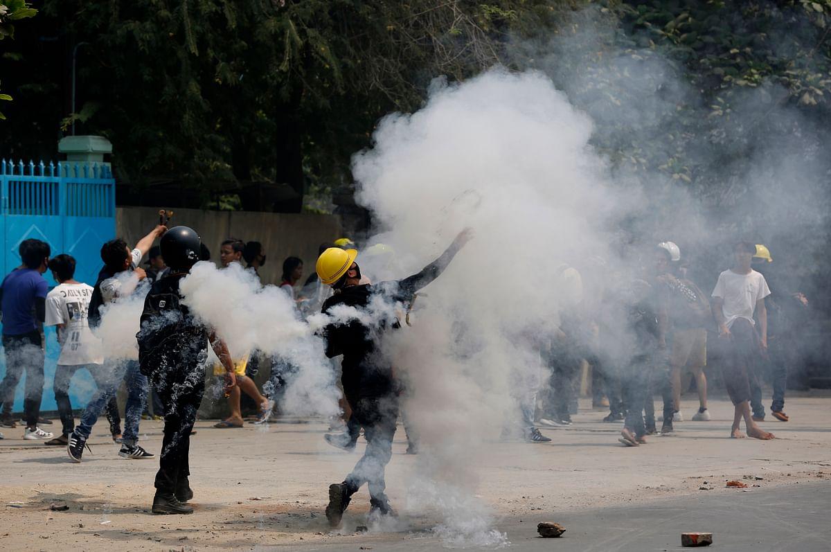 Myanmar Latest Updates : म्यांमार में सेना की 'खूनी होली', 100 से ज्यादा प्रदर्शनकारियों को उतारा मौत के घाट