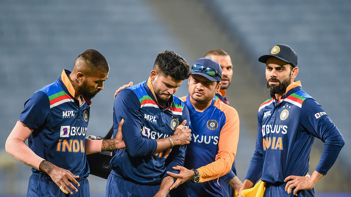 IPL 2021: आईपीएल नहीं खेल पायेंगे श्रेयस अय्यर! इंग्लैंड के खिलाफ वनडे में खिसकी बाएं कंधे की हड्डी