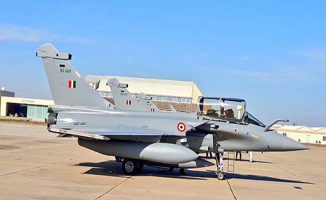 फ्रांस से भारत के लिए उड़े Rafale फाइटर जेट, नॉन-स्टॉप उड़ान के दौरान हवा में ही भरा जाएगा ईंधन