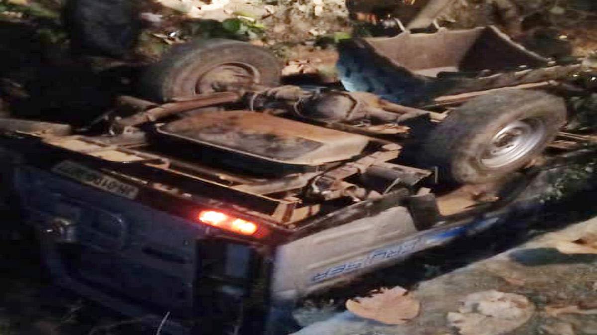 गुमला के द्वारसेनी जंगल के पास वाहन दुर्घटनाग्रस्त, 3 की मौत, कई लोग हुए घायल