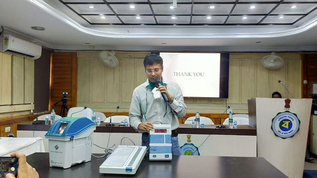 वोटिंग के दौरान अब नहीं बदलना पड़ेगा EVM, बंगाल चुनाव में होगा M-3 मशीन का इस्तेमाल, जानें इसकी खूबियां