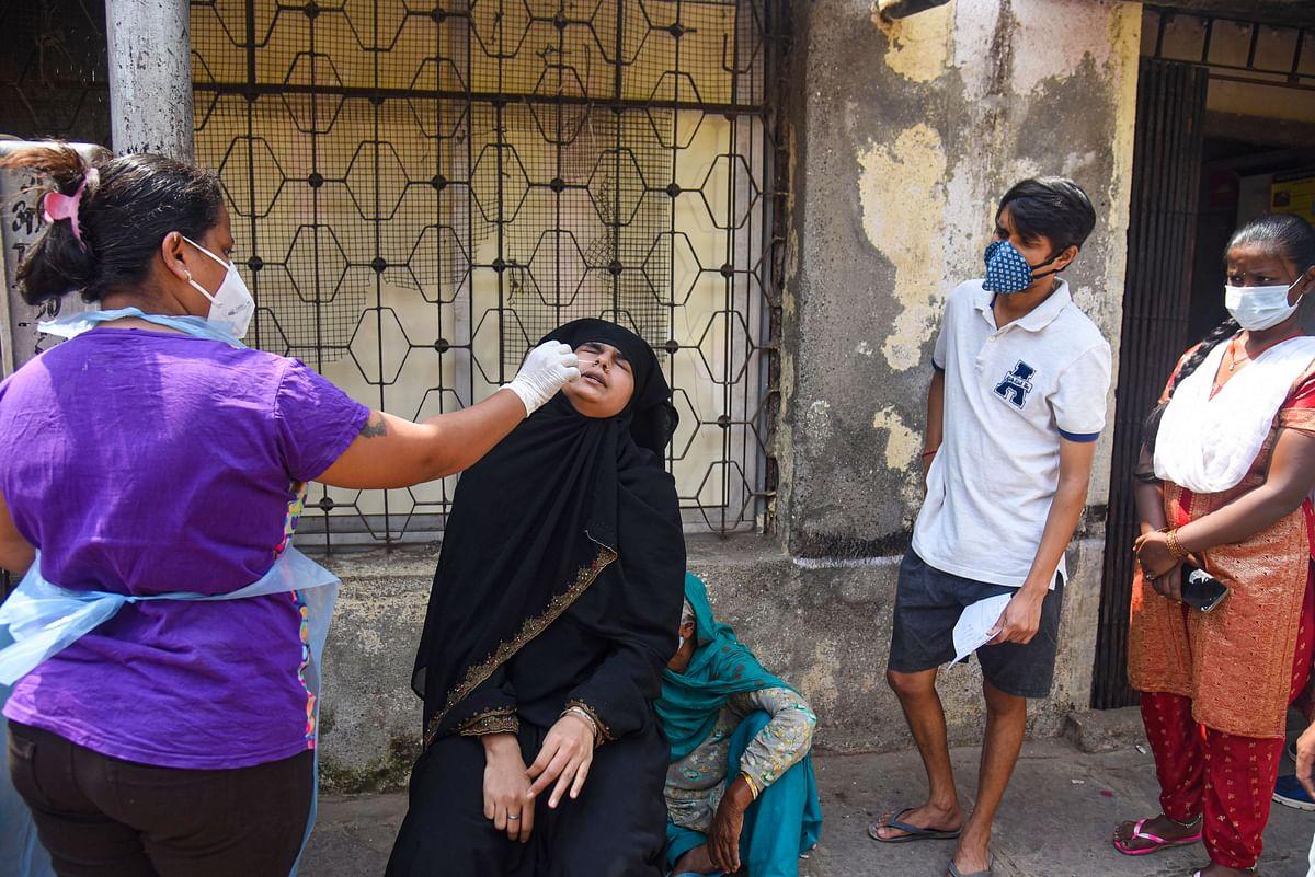 Coronavirus News : चुनाव के बीच बंगाल में फूटा कोरोना बम, 24 घंटे में 1200 से अधिक केस