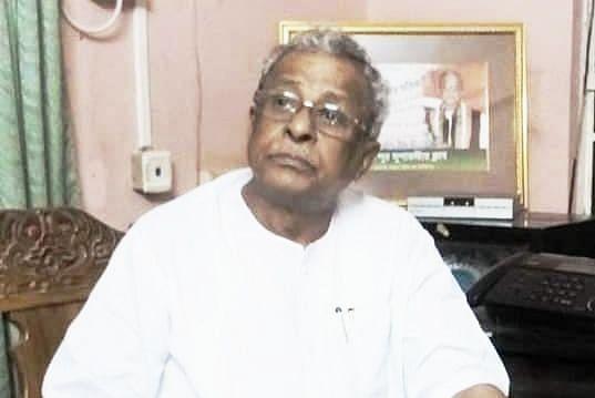 West Bengal Election 2021 : कभी ममता बनर्जी के साथ मिलकर बनाई थी तृणमूल कांग्रेस, अब 'पुत्रमोह' में करेंगे बीजेपी ज्वाइन, पढ़िए Sisir Adhikari के बारे में