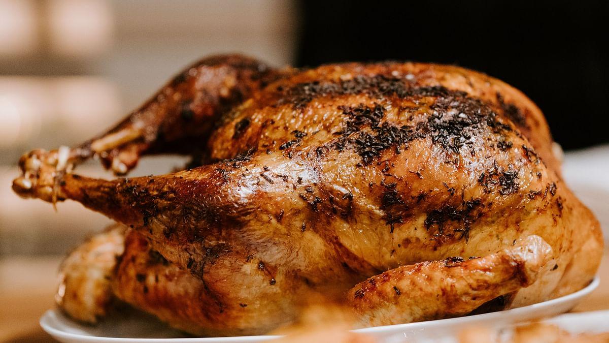 Shocking News: महिला ने किया Fried Chicken का आर्डर, लेकिन जब डब्बा खोला तो अंदर से निकला Fried तौलिया, शिकायत पर कंपनी ने कही ये बात