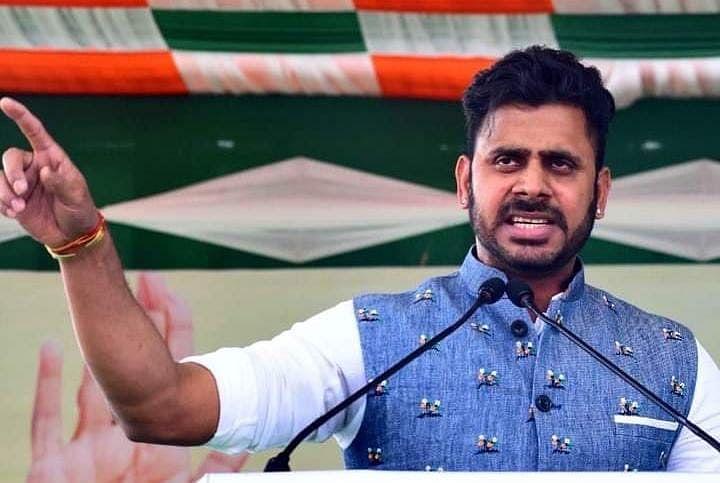 बंगाल चुनाव 2021 : क्रिकेट के बाद अब राजनीतिक पिच फर भी बंगाल से हारेगा गुजरात, TMC कैंडिडेट मनोज तिवारी का बीजेपी पर हमला