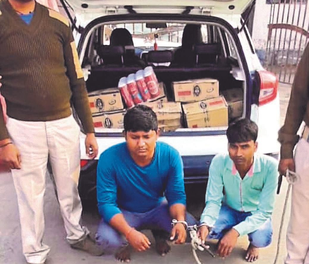 यूपी से मुजफ्फरपुर आ रही SUV कार से विदेशी शराब की बड़ी खेप जब्त, होली में था खपाने का प्रयास