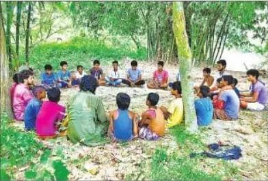 बिहार में पेड़-पौधे और चिड़ियों के बीच हो रही पढ़ाई, स्कूल ऑफ नेचर से जोड़ कर बच्चों को दी जा रही मुफ्त शिक्षा