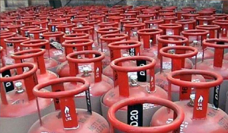 LPG Cylinder Price : 10 रुपये सस्ता हुआ रसोई गैस, जानें अपने यहां की नयी कीमत