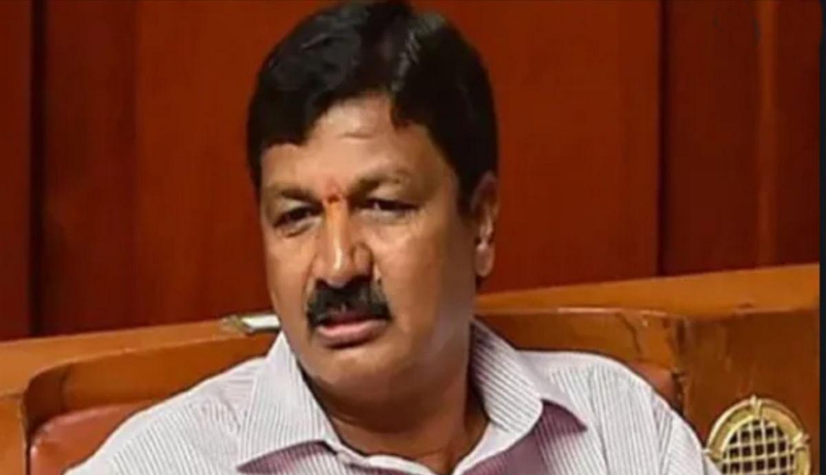 येदियुरप्पा के जल संसाधन मंत्री पर लगा यौन उत्पीड़न का आरोप, कर्नाटक की राजनीति में आया उबाल