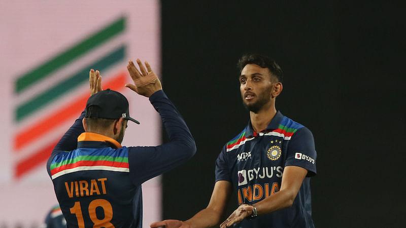 Ind vs Eng 2nd ODI : नयी गेंद से गेंदबाजी पर प्रसिद्ध कृष्णा ने दिया ये बड़ा बयान, आपने पढ़ा क्या?