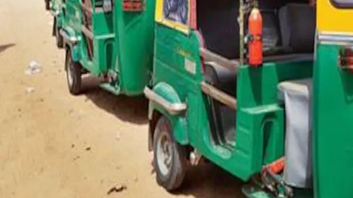 ऑटो रिक्शा ड्राइवर से मांगा गया 4.39 करोड़ रुपये का टैक्स, जानें क्या है पूरा मामला