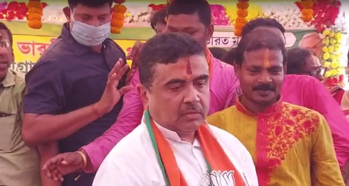 Bengal Chunav 2021: ममता बनर्जी के चंडी पाठ पर शुभेंदु का पलटवार, अधीर रंजन ने कहा-बीजेपी से कम 'हिंदुत्वादी' नहीं है ममता