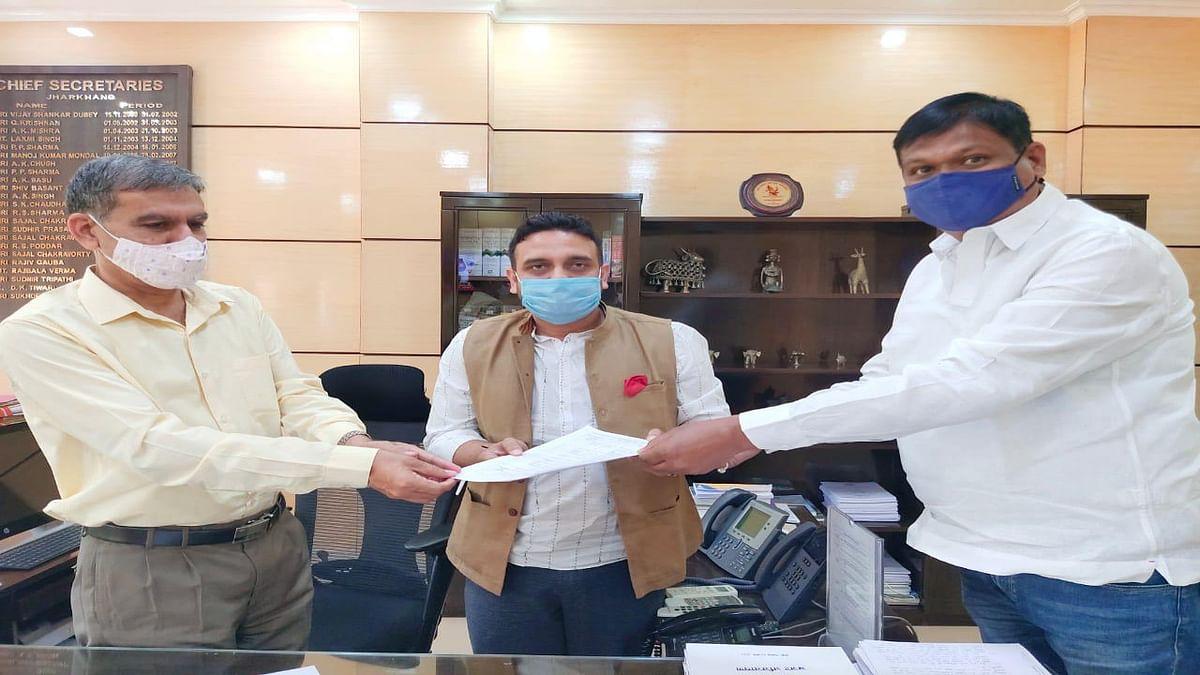 Jharkhand News : जमशेदपुर के आसनबनी से खासमहल तक की सड़क और पुलिया का होगा कायाकल्प, जानें झारखंड के मुख्य सचिव ने किसे दिया निर्देश
