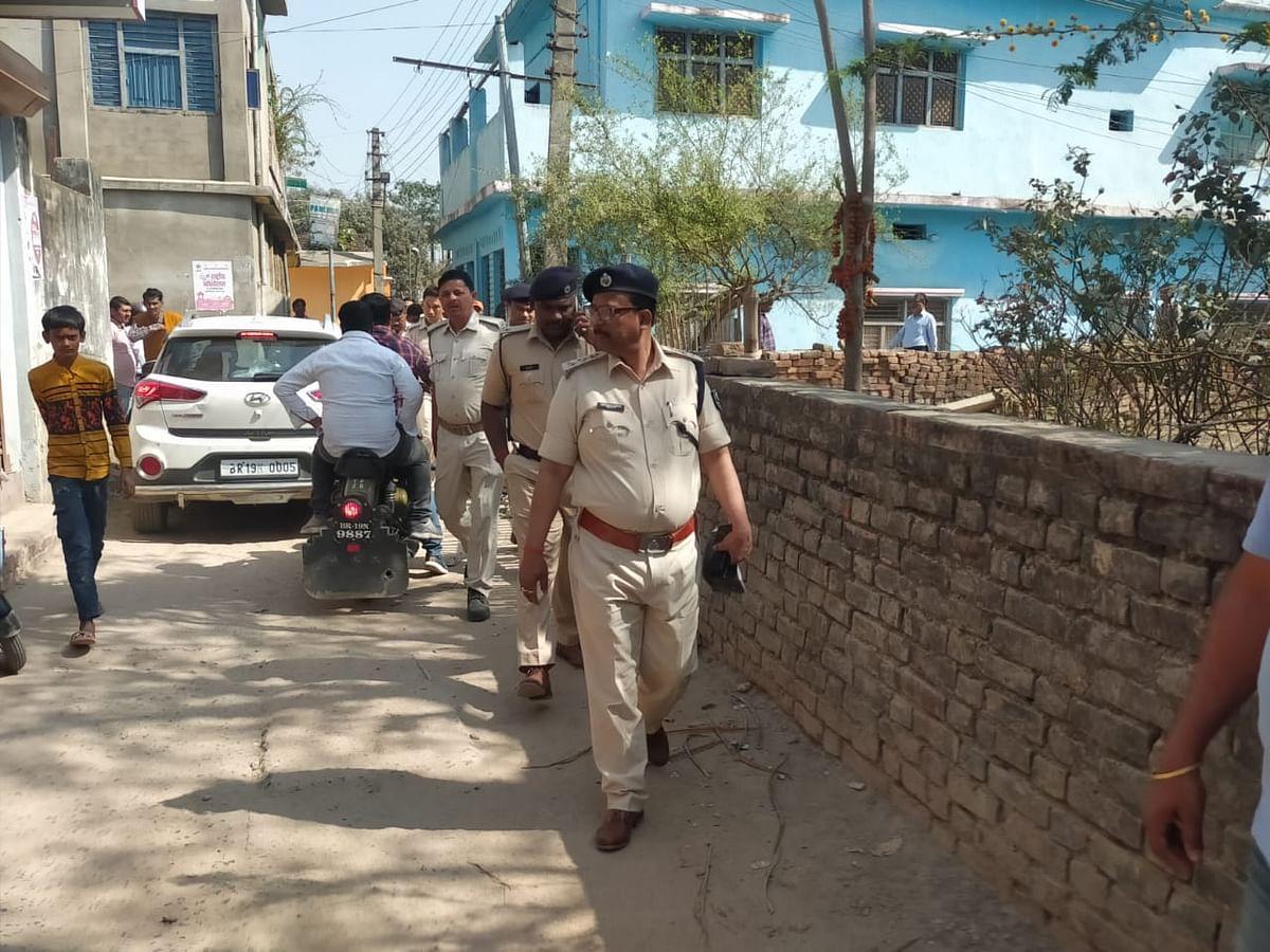 Bihar Crime News: सहरसा में दिनदहाड़े छह लाख की लूट, मोबाइल कंपनी के कर्मचारी को अपराधियों ने मारी गोली