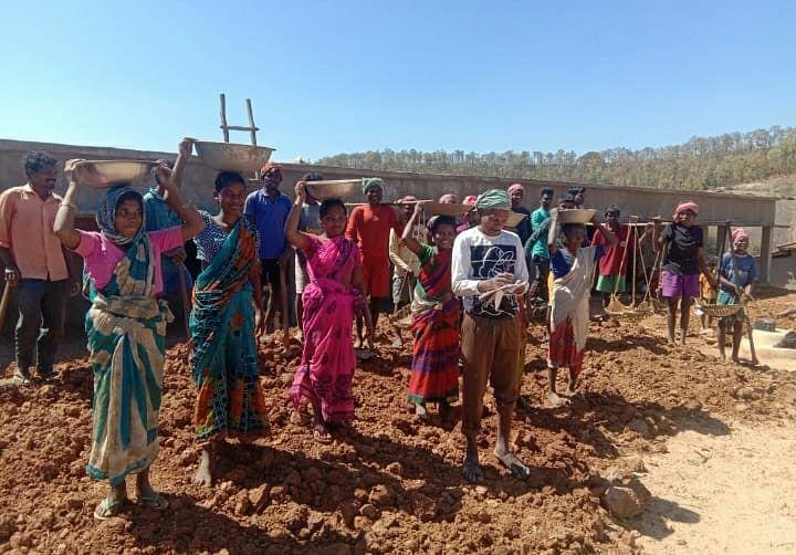 Jharkhand News : आज भी आदिम युग में जीने को विवश हैं झारखंड के गुमला में असुर जनजाति समुदाय के लोग, पढ़िए क्या जमीनी हकीकत