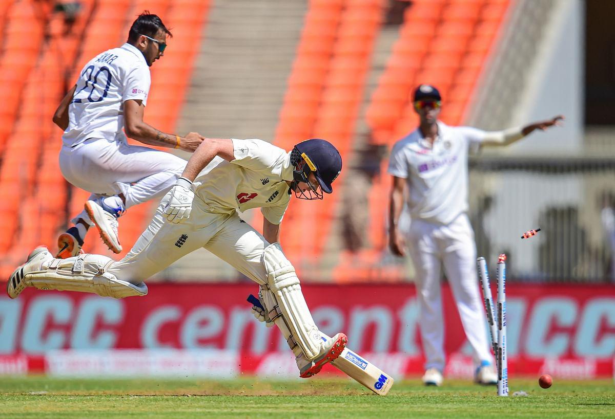 IND vs ENG 4th Test LIVE Score : अक्षर-अश्विन की घातक गेंदबाजी, इंग्लैंड के 8 बल्लेबाज लौटे पवेलियन, ENG 188/8